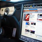 Tesla model S dashboard med skärm